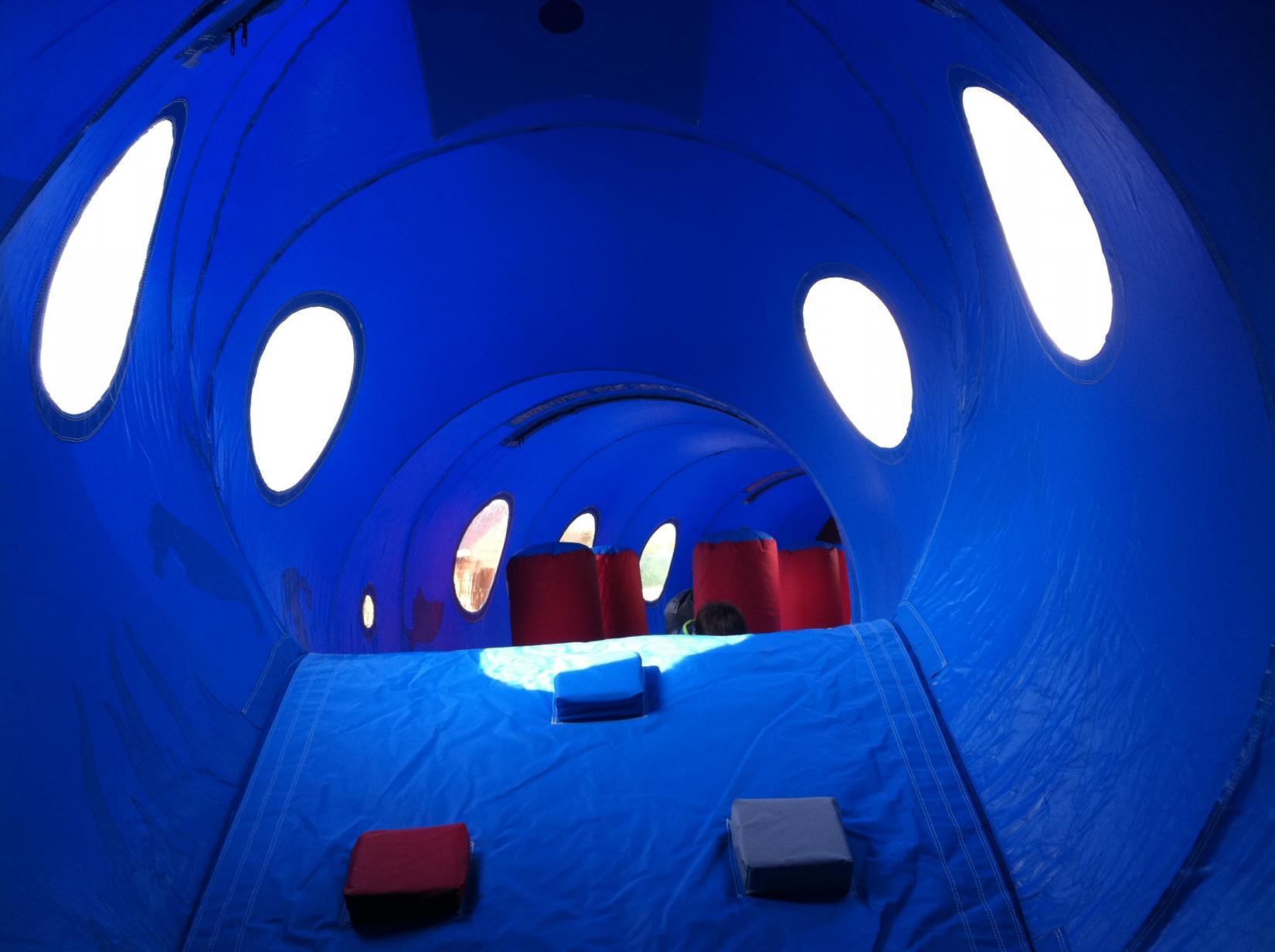 nouveau chateau gonflable nouveau trampoline nouvelles. Black Bedroom Furniture Sets. Home Design Ideas